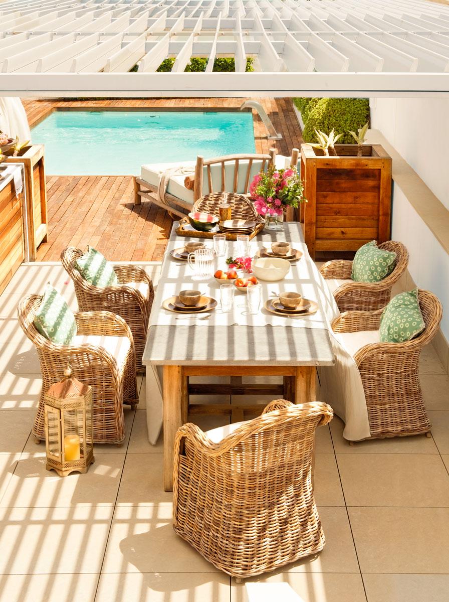 Красивые террасы у дома: бассейн, декор