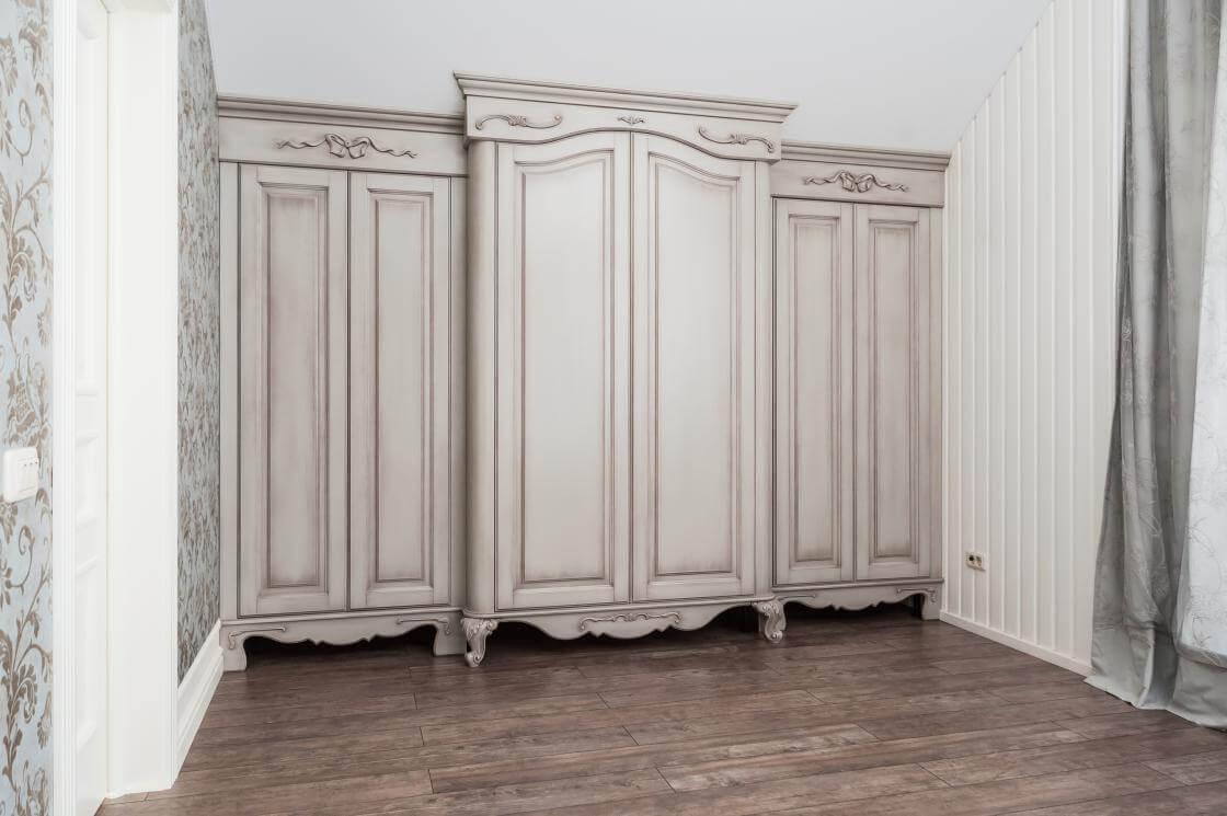 шкафы в доме