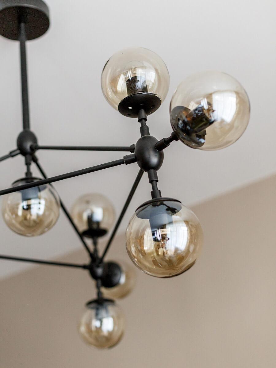 Красивый современный светильник