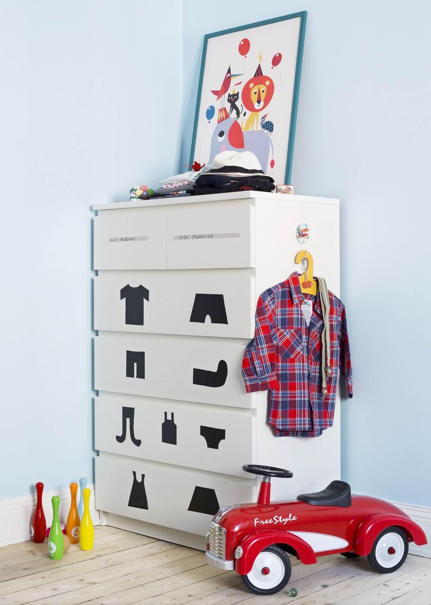 хранение одежды в детской