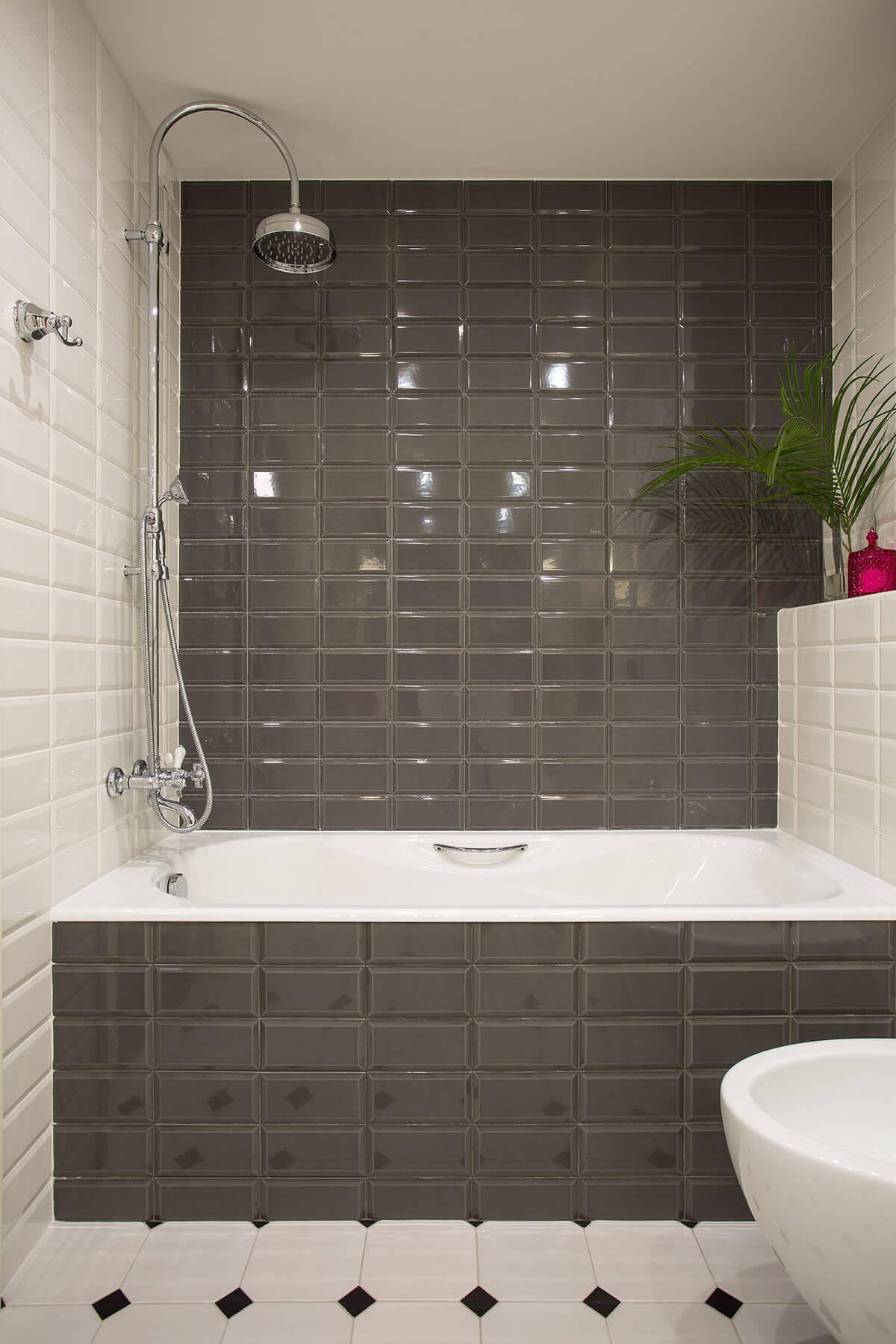 Черно белая ванная комната в хрущевке
