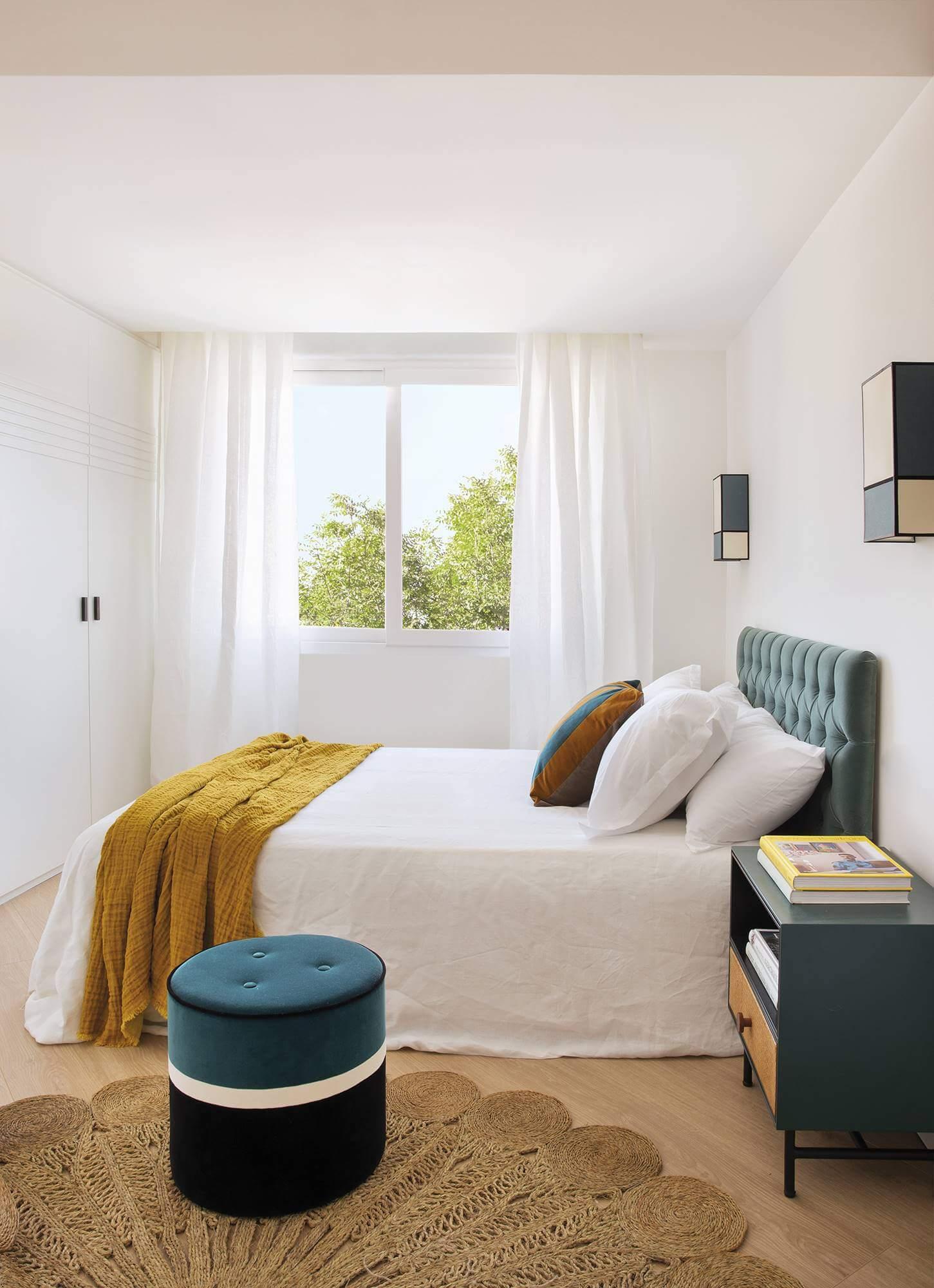 интерьер маленькой спальни в квартире