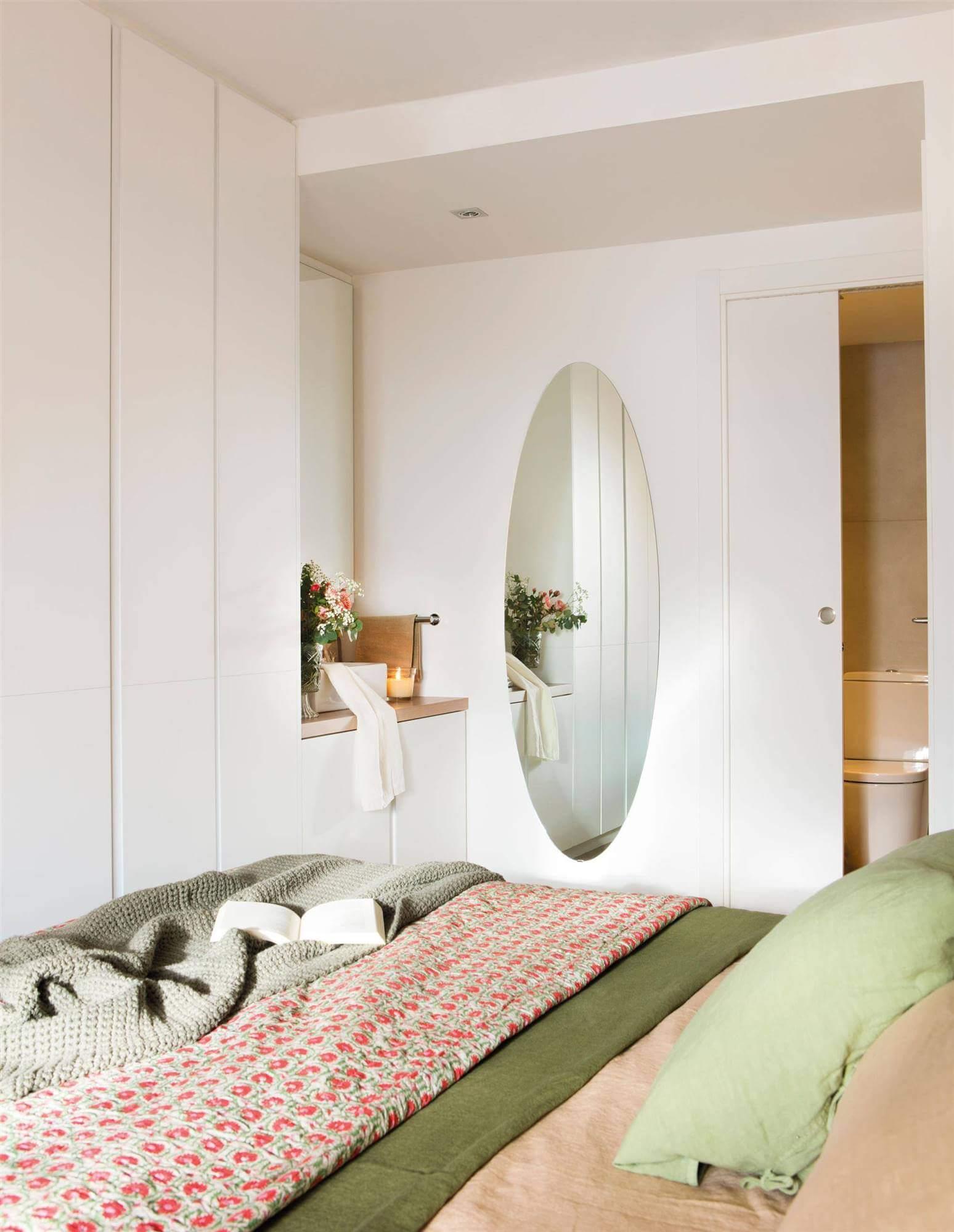 дизайн маленькой спальни для молодой пары