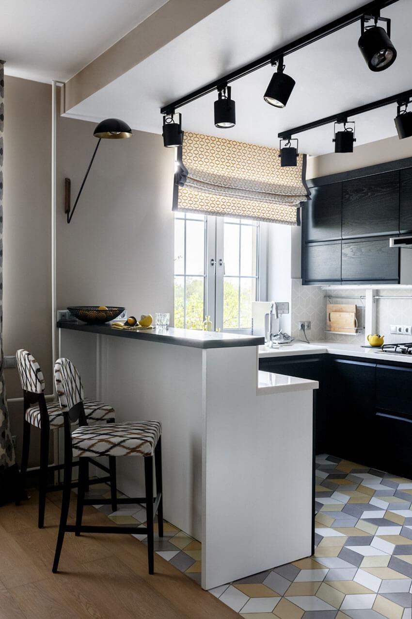 Кухня-студия с барной стойкой