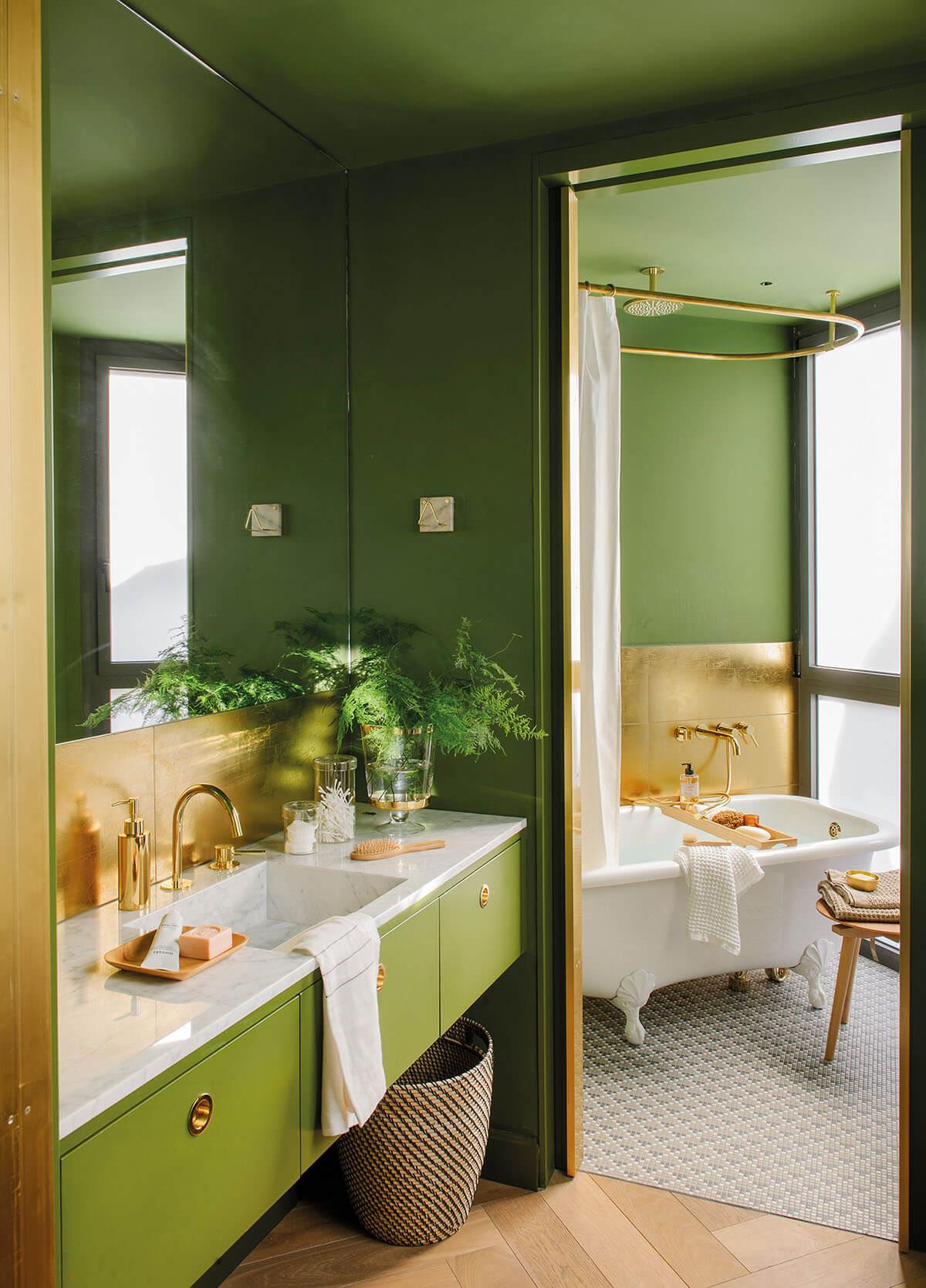 Красивая ванная в доме