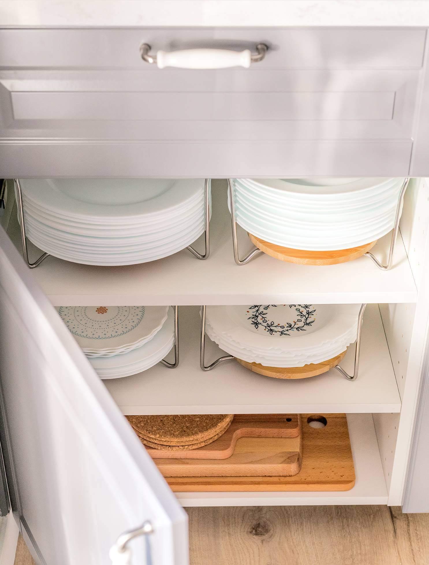 Организация хранения посуды на кухне