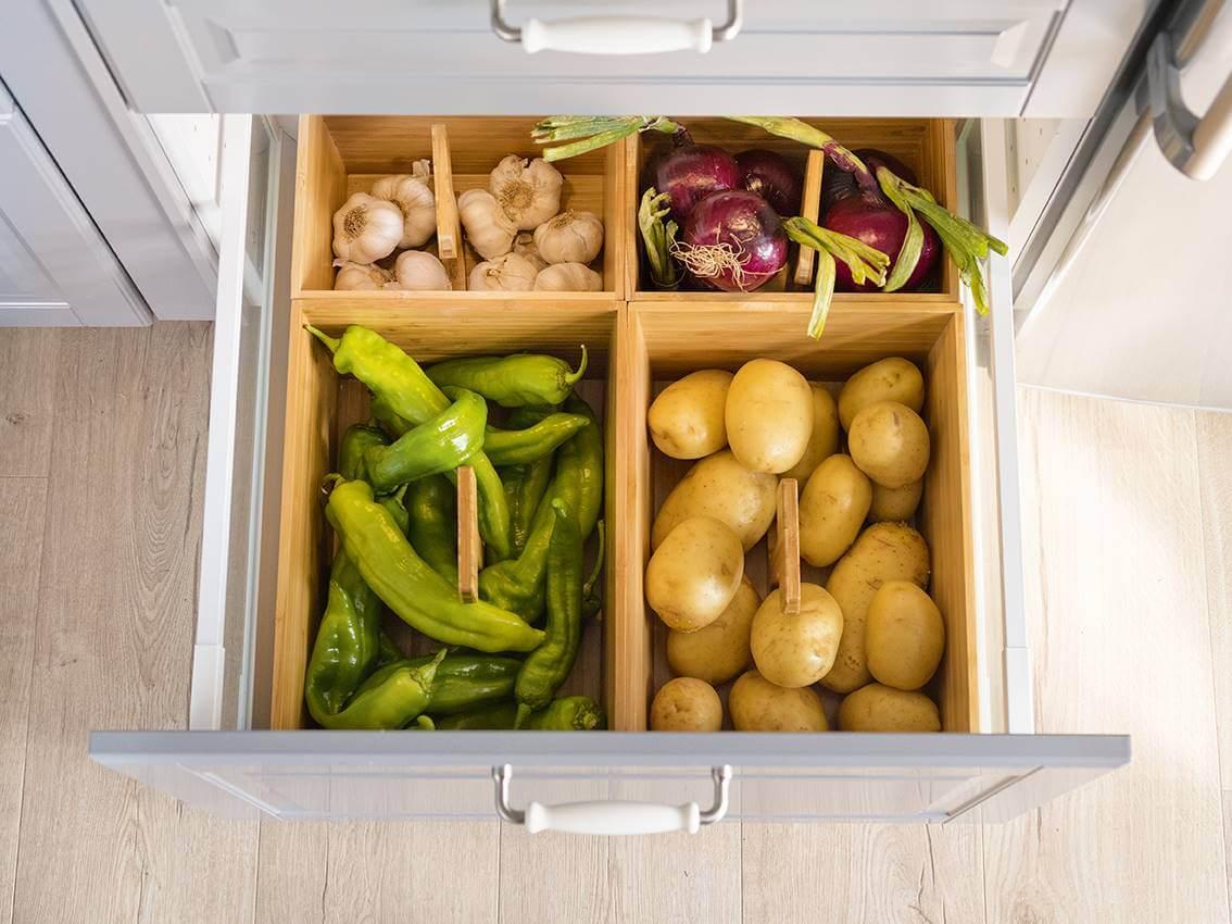 Ящик для овощей на кухне