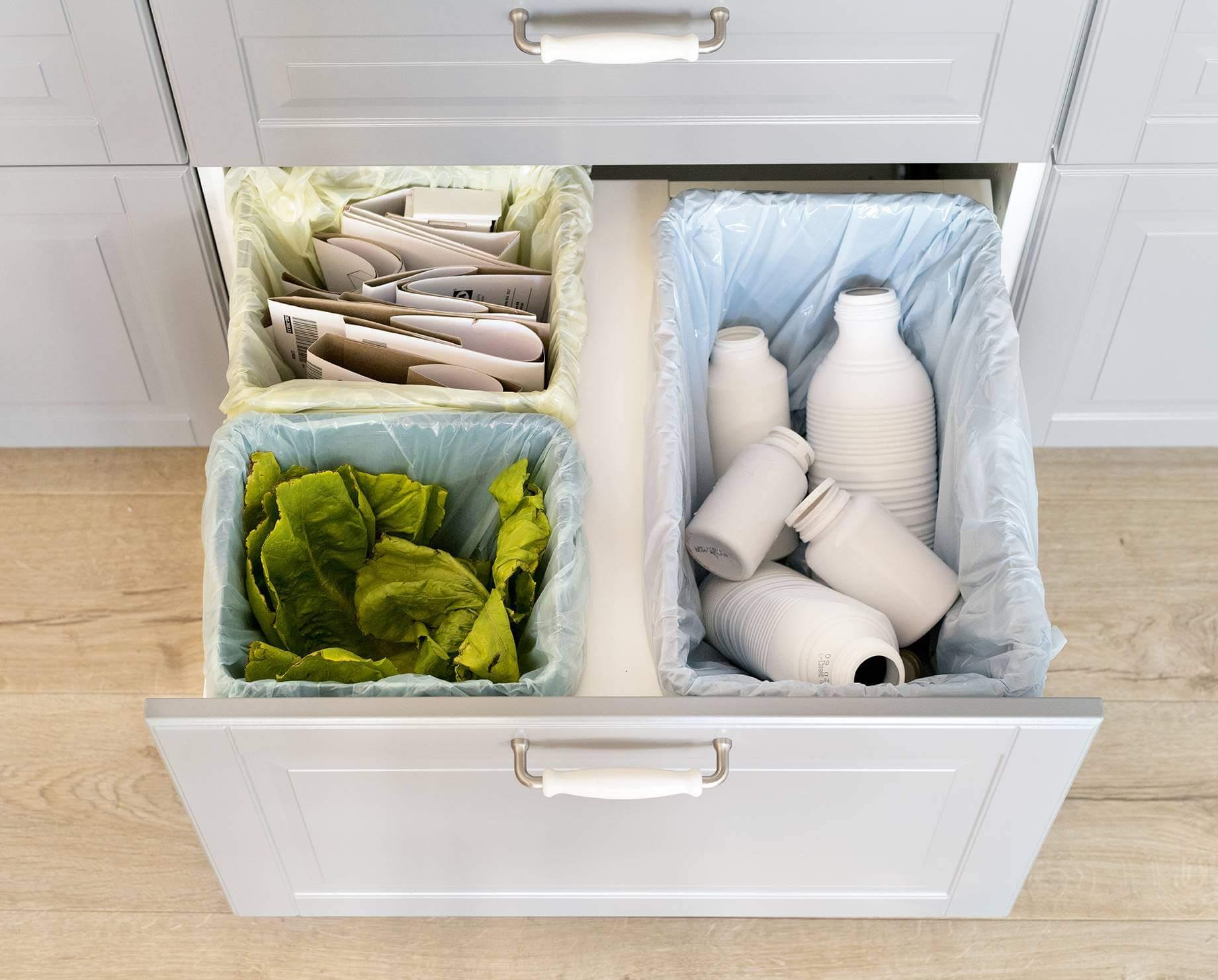 Сортировка мусора на кухне