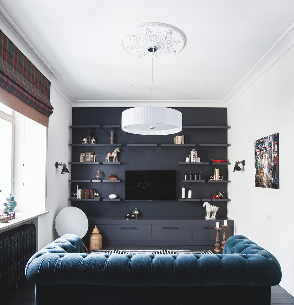 Черная стена в гостинойм
