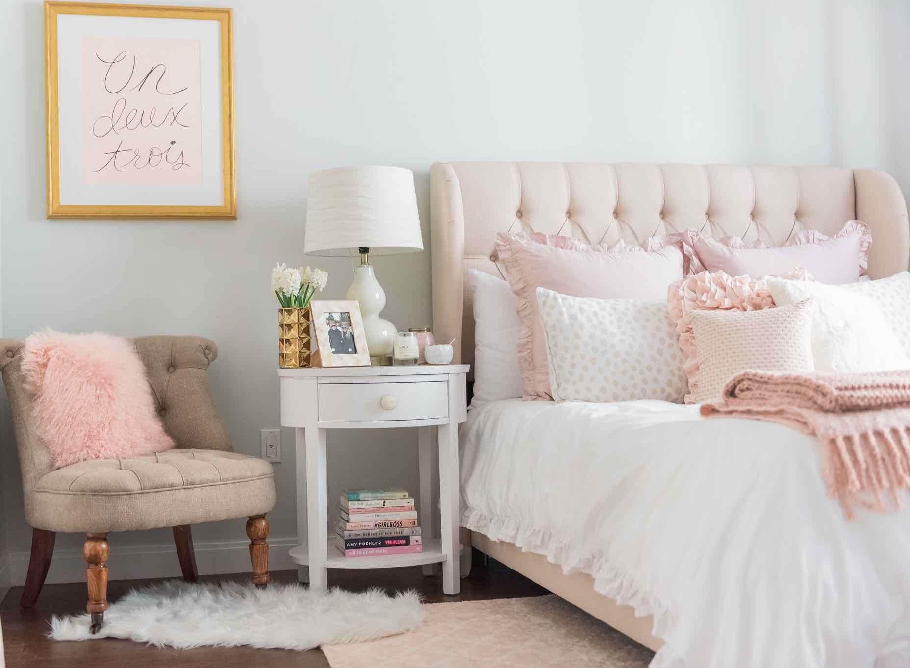 нежная спальня