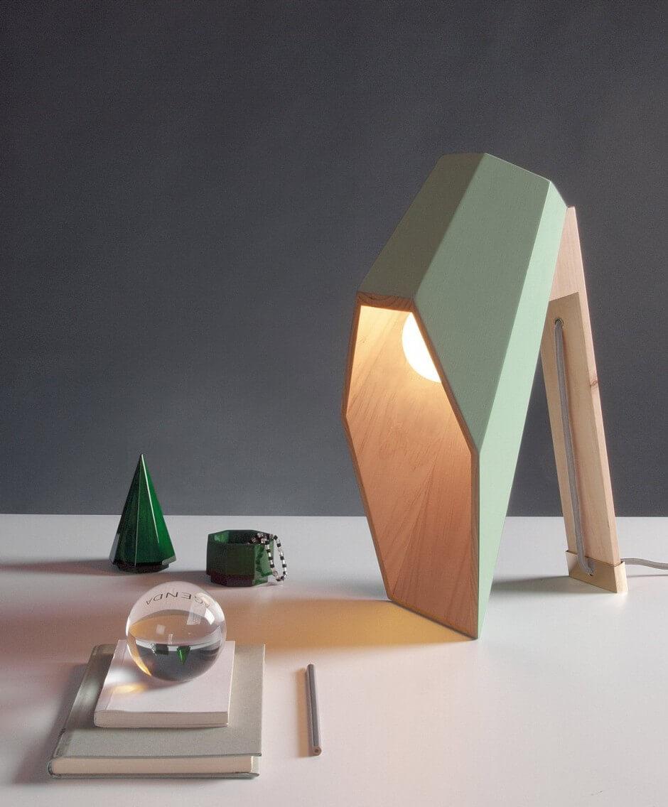 интересная настольная лампа