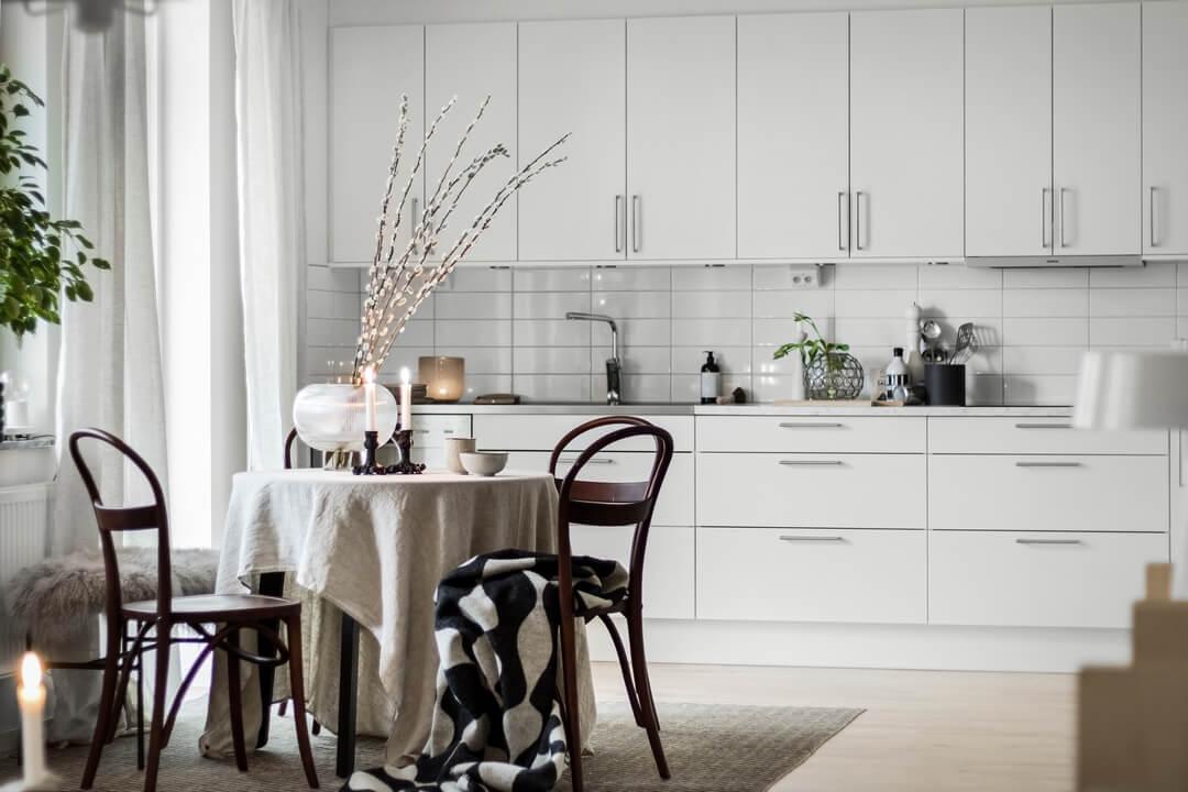 простой дизайн кухни студии