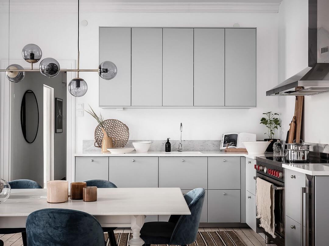 простой дизайн кухни в частном доме