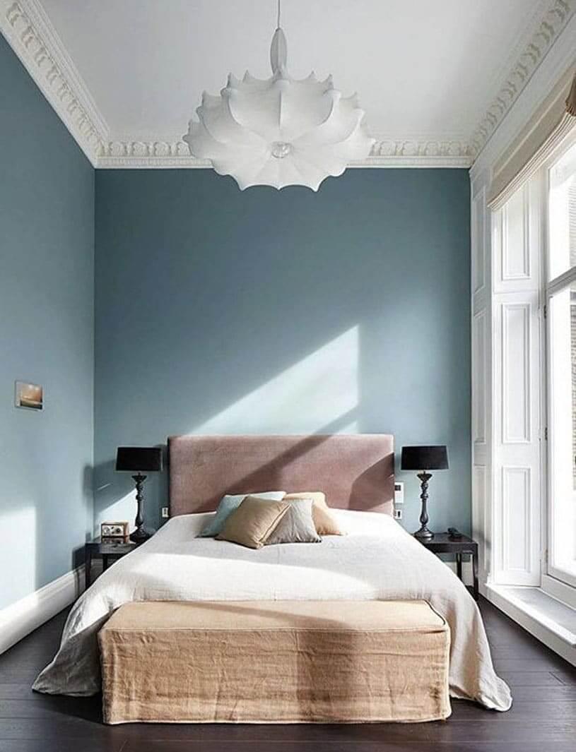 Узкая прямоугольная спальня