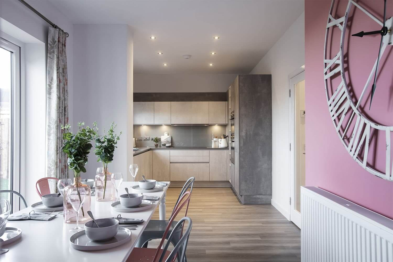 Дизайн кухни и столовой в частном доме