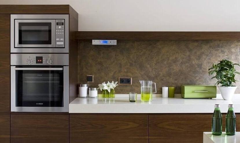 дизайн кухни 9 кв м в панельном доме с балконом