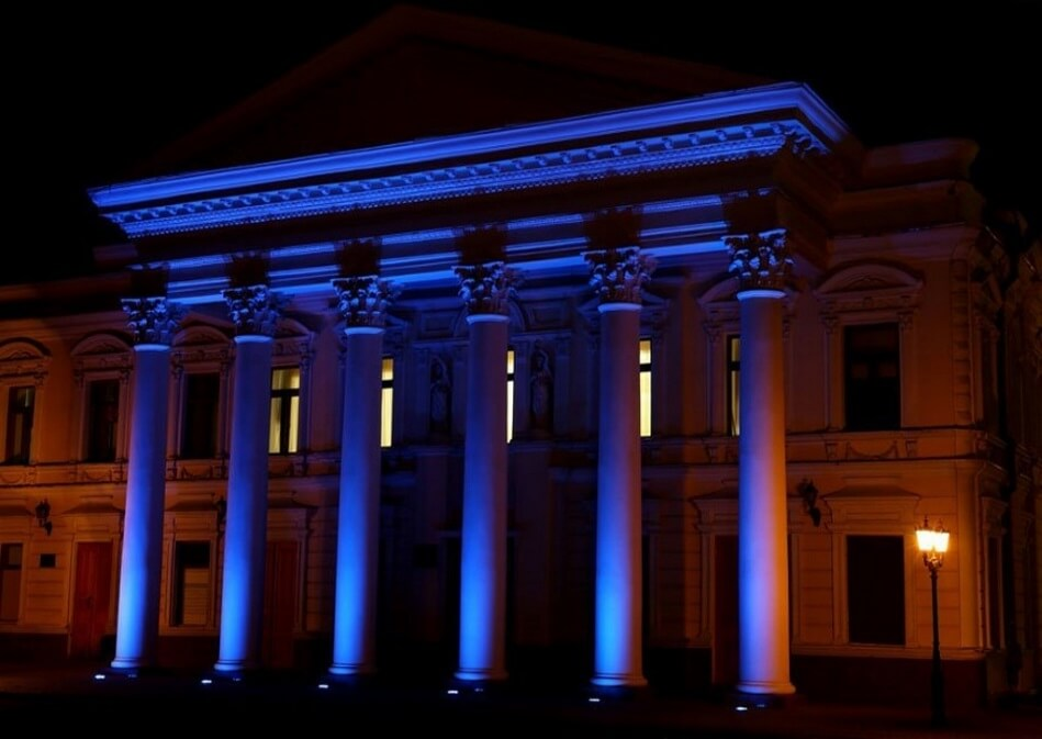 Архитектурное освещение фасада