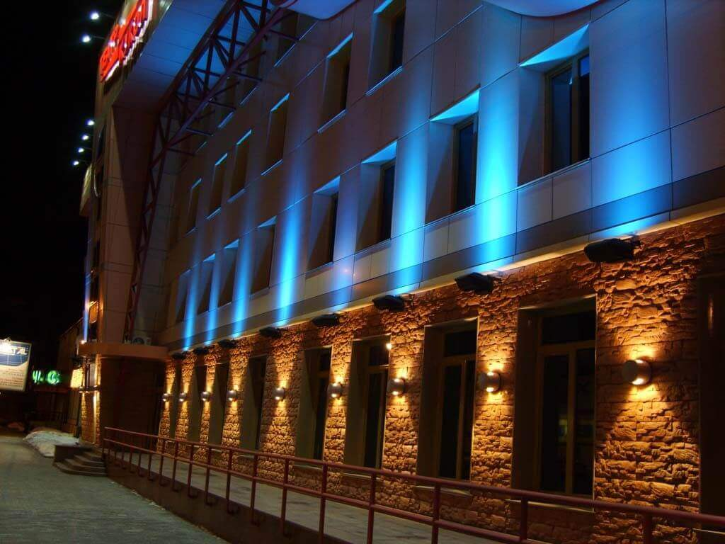 Наружное освещение фасада