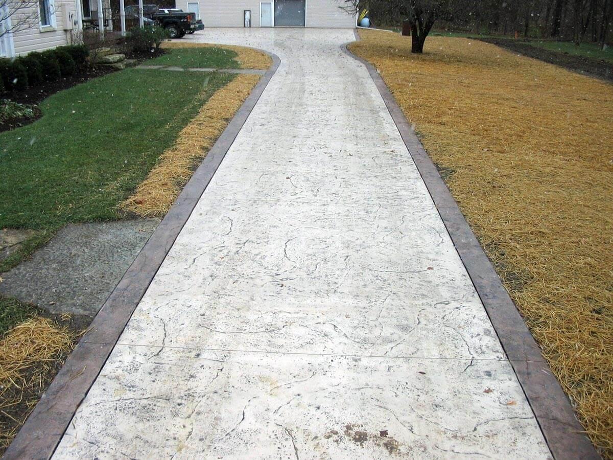 Садовые дорожки из декоративного бетона