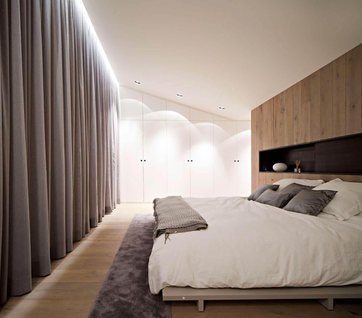Ремонт в прямоугольной спальне