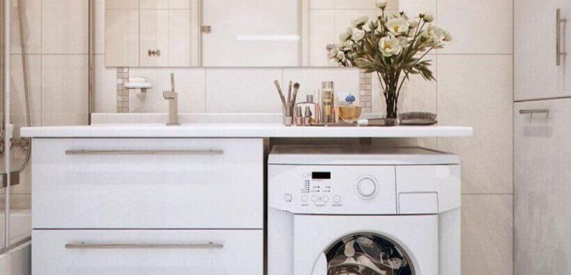 Дизайн маленькой ванной со стиральной машиной: как все уместить