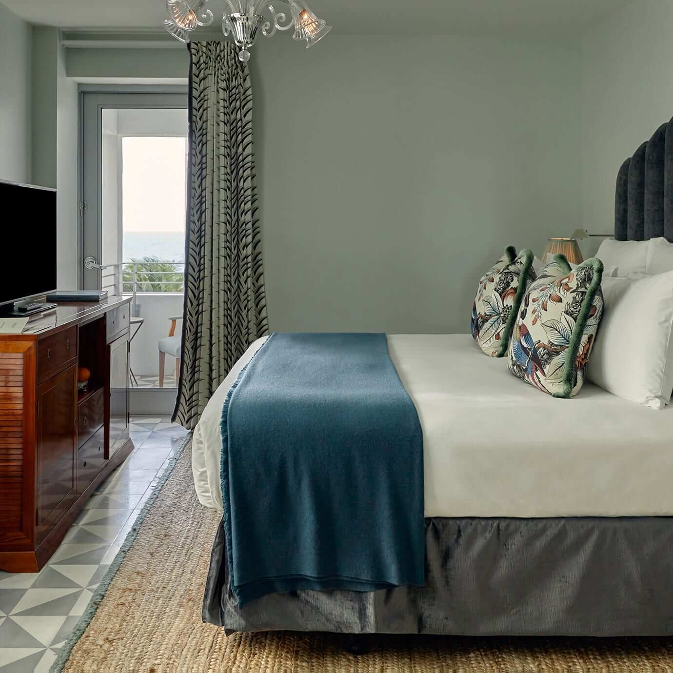 маленькая мансардная спальня