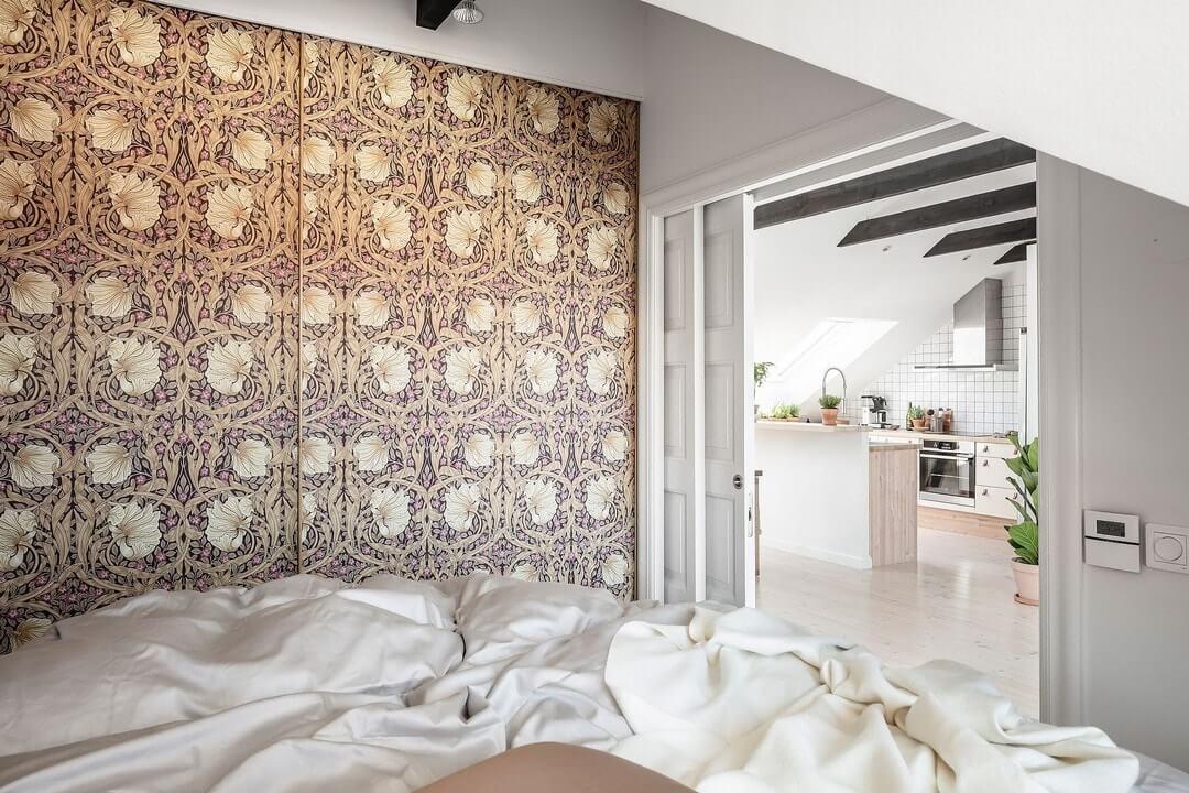 спальня на маленькой мансарде