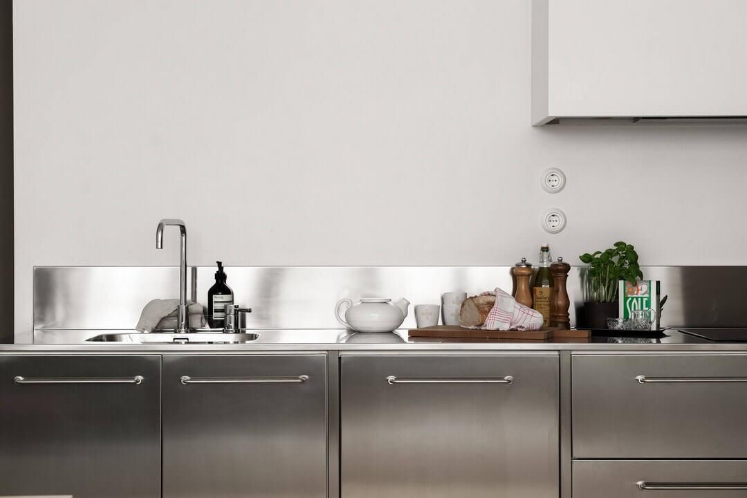 интерьер кухни в двухкомнатной квартире