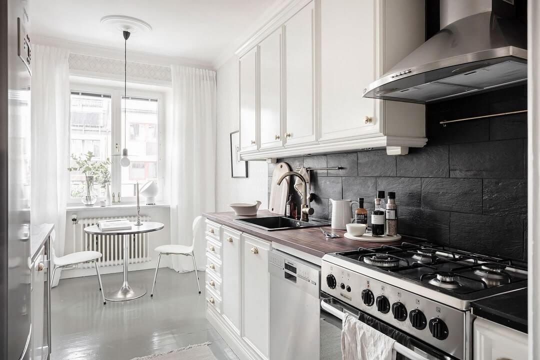 дизайн кухни белый с деревом