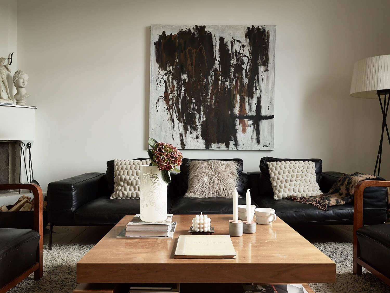 кожаный диван черный